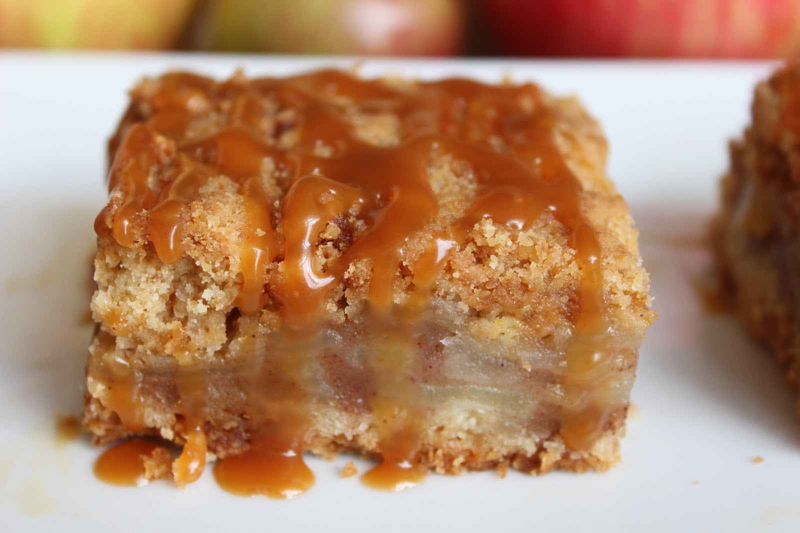 In The Pink & Green: Salted Caramel Apple Bars