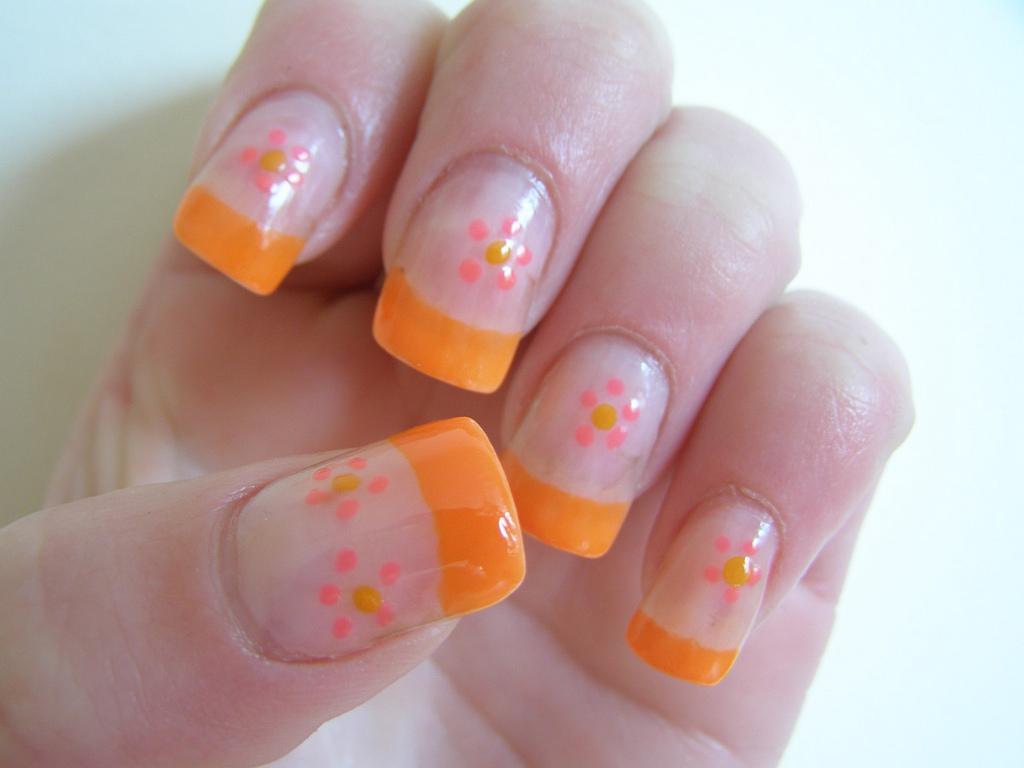 Lindos Diseños de Uñas color Naranja
