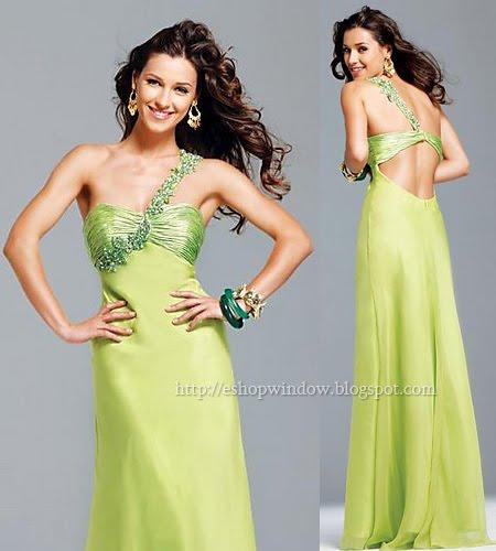 светлозелена бална рокля с гол гръб
