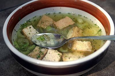 Slow Cooker Smoked Tofu and Stars Soup 1