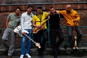2./ Groovus Band