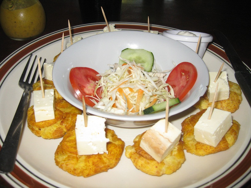Tostones con queso an easy nicaraguan appetizer or light snack tostones con queso barca de oro las penitas nicaragua forumfinder Choice Image