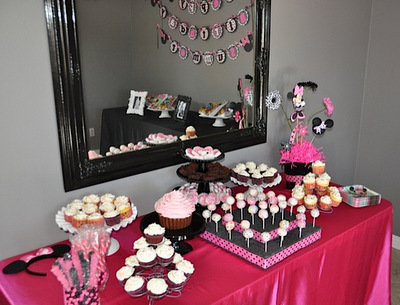 Amanda Sarver Minnie Mouse 1st Birthday Party Blog Scrapbooking