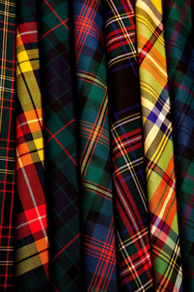Red Check Diamond Tartan Scot Plaid Fabric Material Seamless ...