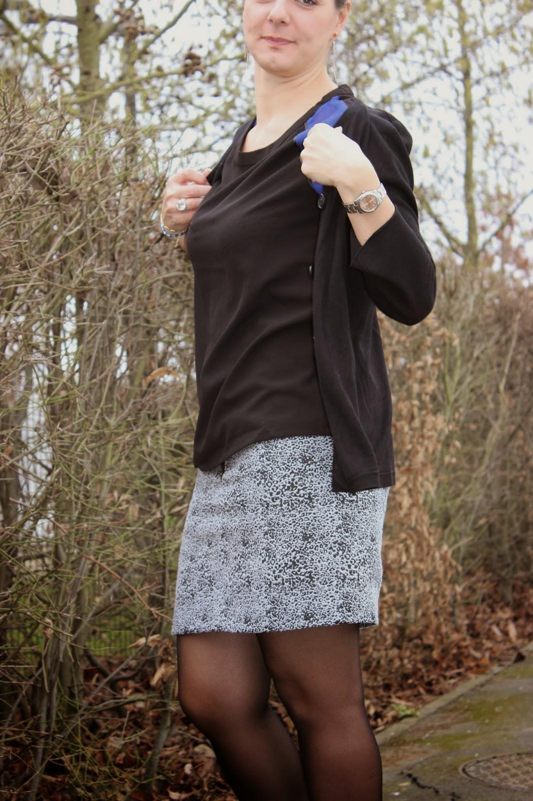 blouse see u soon, jupe leopard naf naf, escarpins noirs cosmoparis