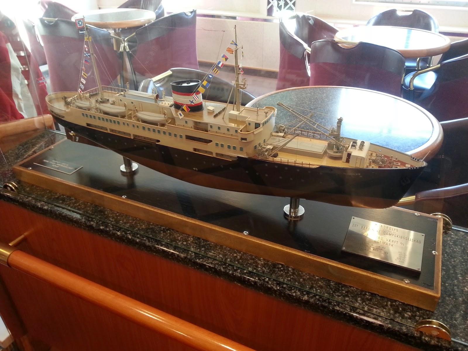 Hurtigruten MS Nordlys - Ship Model