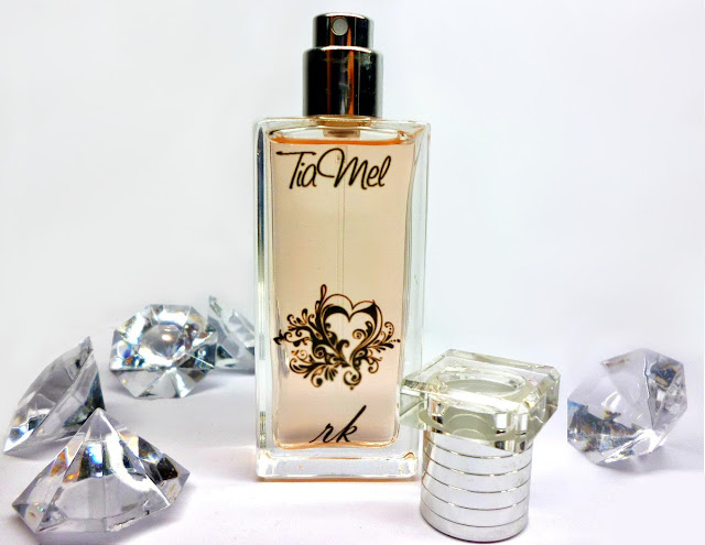 http://tiamels.blogspot.de/2013/08/mein-eigenes-parfum.html