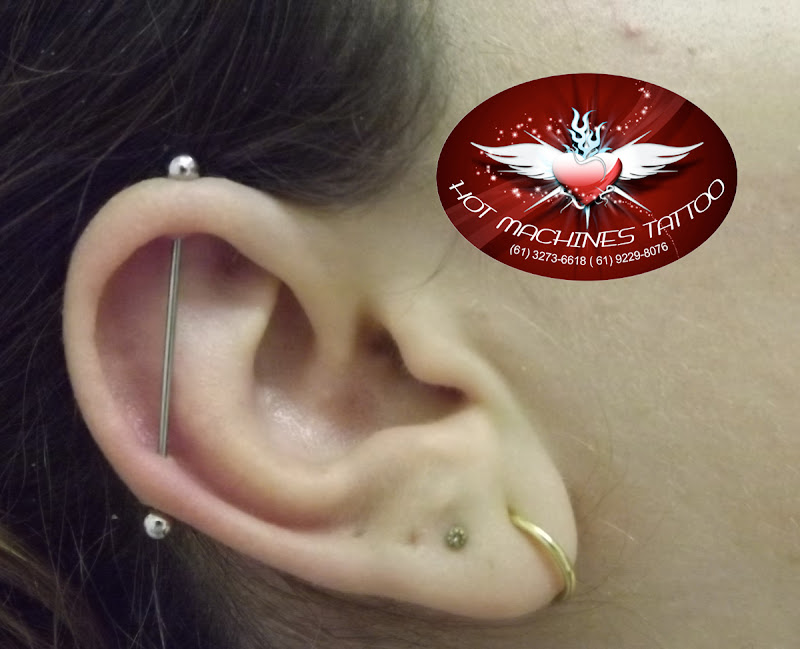 Piercing cartilagem, transversal title=