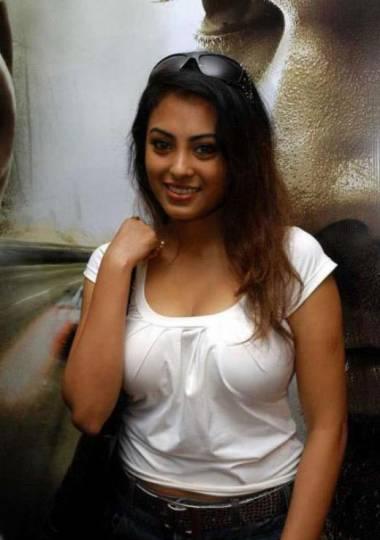 Huge boobs mallu aunty sari strip 3 - 1 9