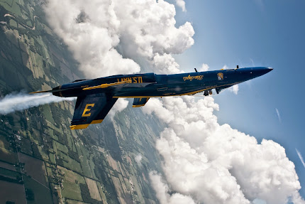BLUE ANGELS DEFY THE LAWS OF GRAVITY