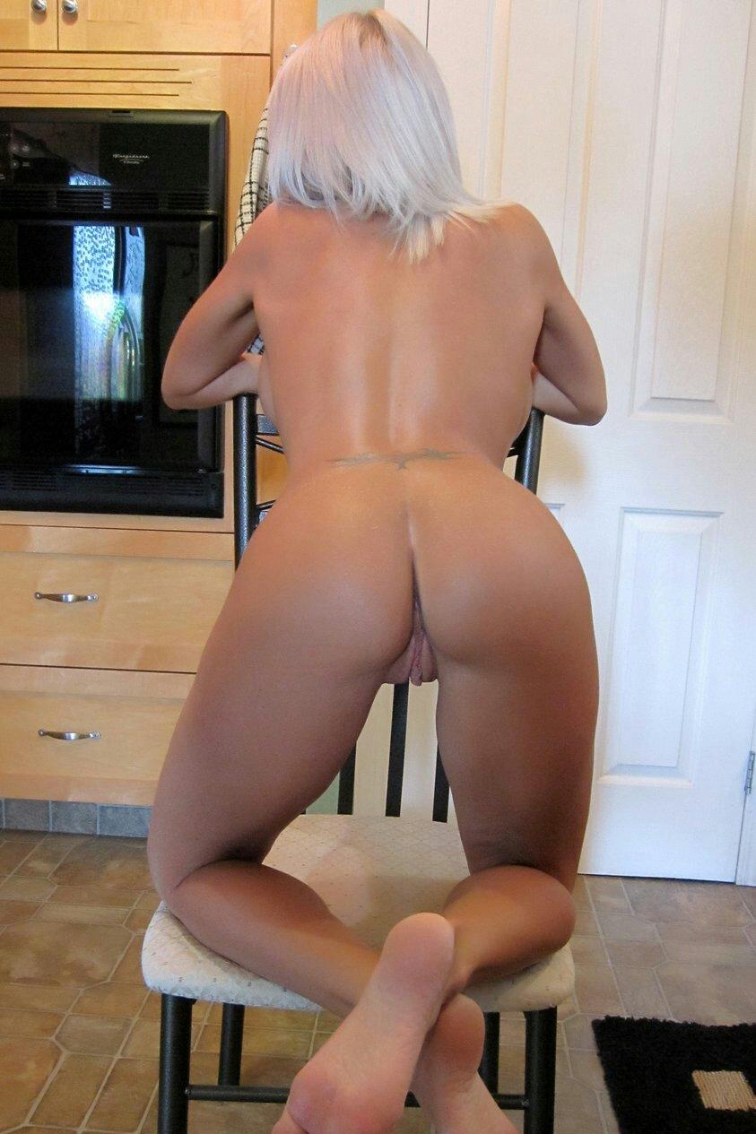 Model nude lee monroe swedish