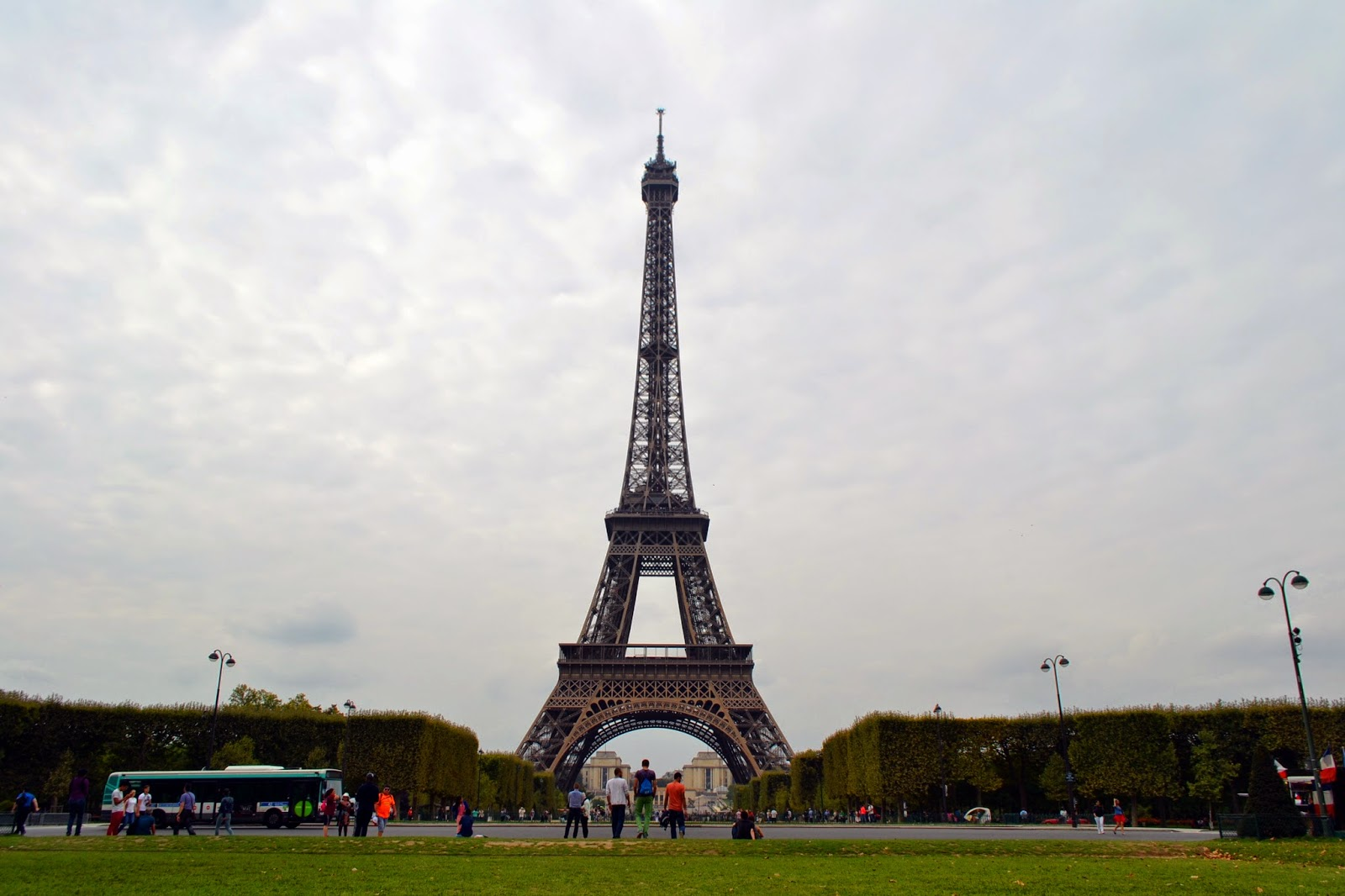 Torre Eiffel, Jardin du Champ de Mars | Bitácoras Viajeras