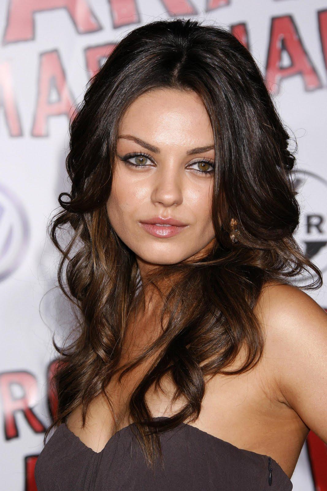 http://1.bp.blogspot.com/-Gre72vf0zm0/TgnpZuRLbTI/AAAAAAAAHks/iiXy36TCH4c/s1600/mila+kunis+sexy+photo.jpg