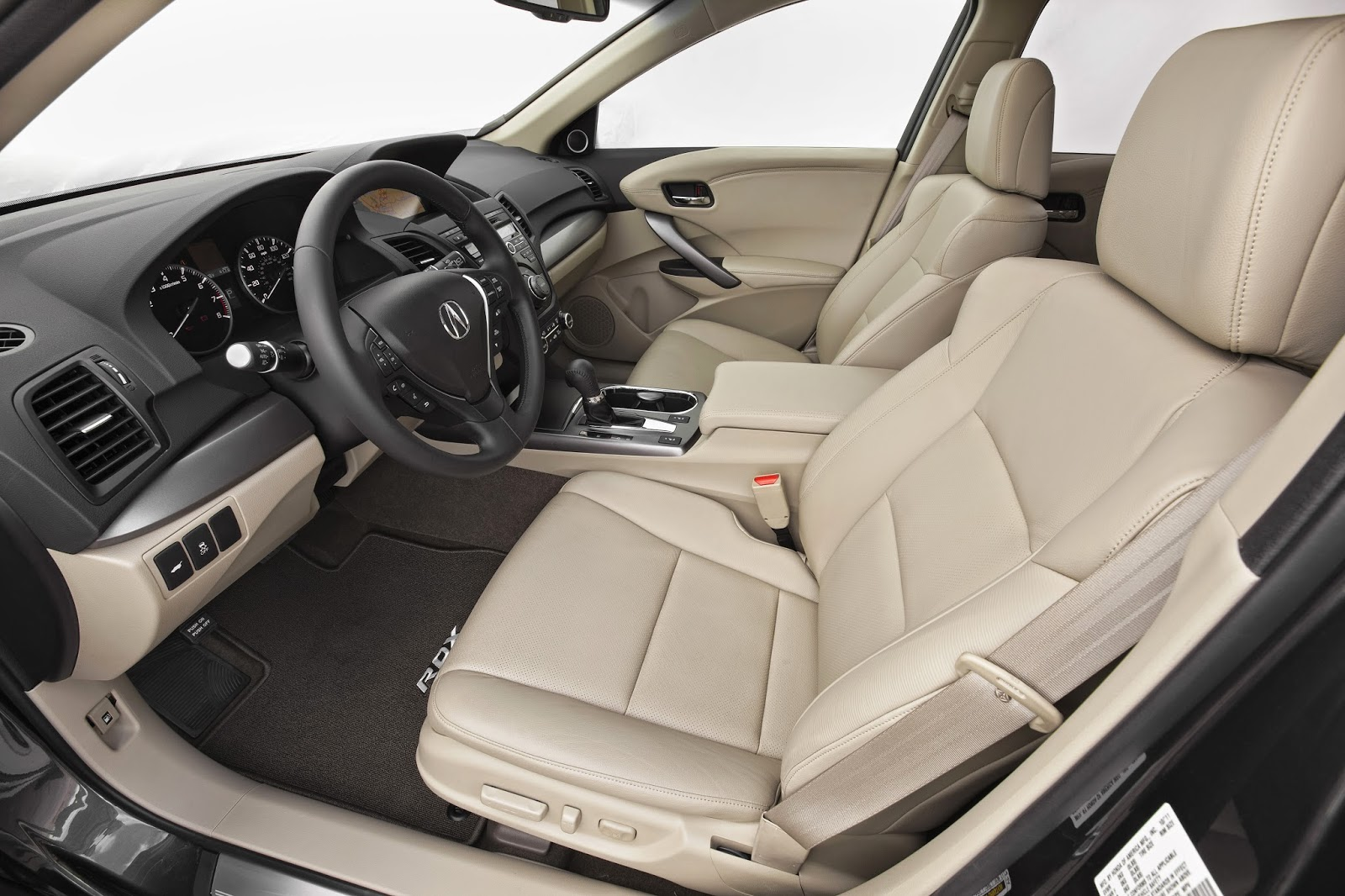 Interior view of 2014 Acura RDX