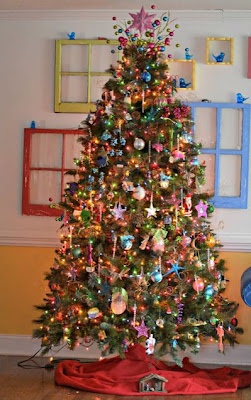 How to Have a Pretty Christmas Tree, Even When You Have Kids