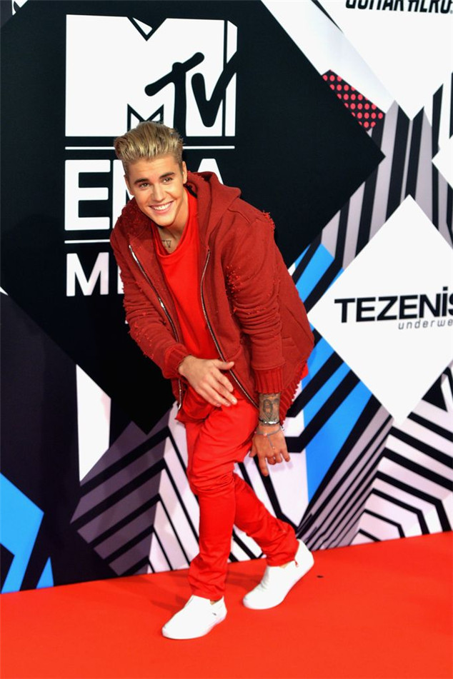 Justin Bieber at the MTV EMAs 2015