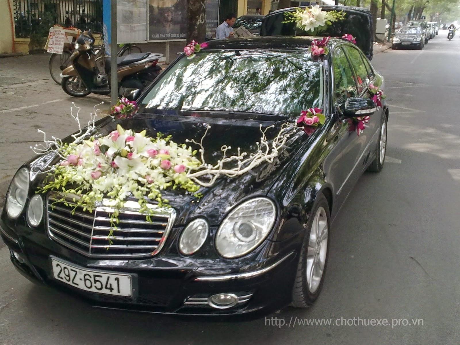 Cho thuê xe cưới Mecerdes E200 giá rẻ duy nhất tại Hà Nội