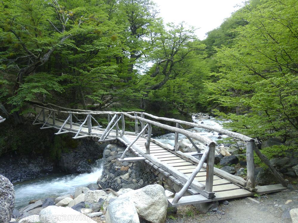 Valle río Ascencio, Torres del Paine, puente