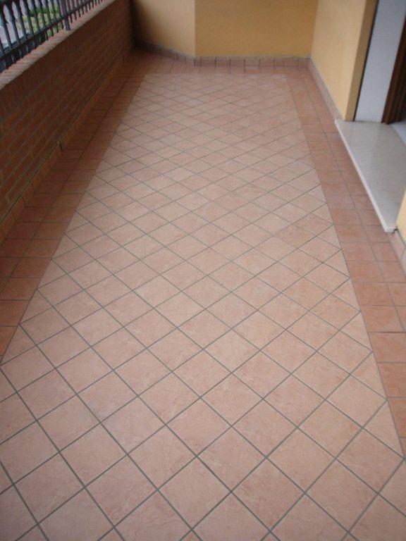 Pavimento terrazza gabbatore mattia - Posa piastrelle esterno ...