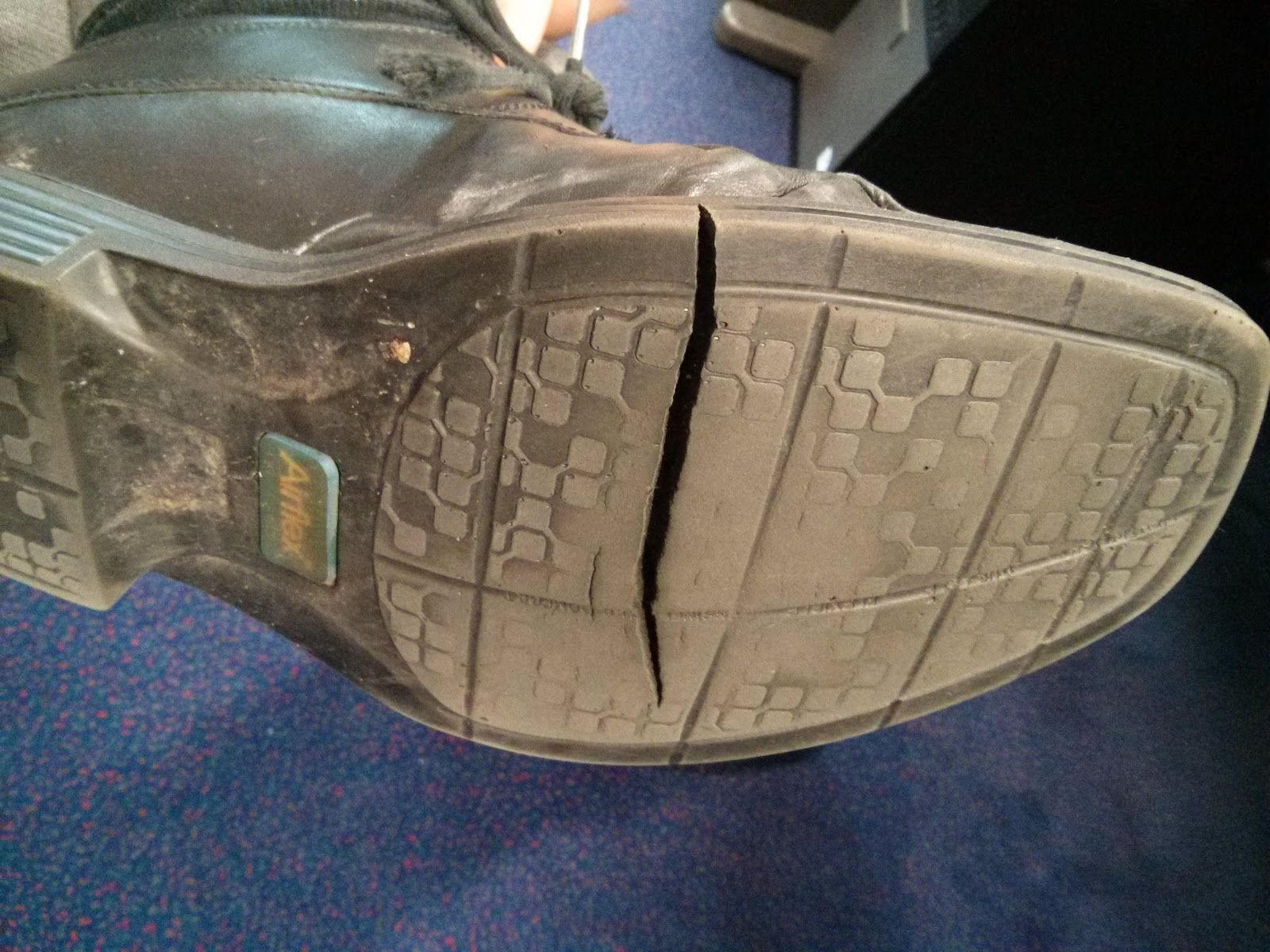 Repair Cracked Rubber Shoe Sole
