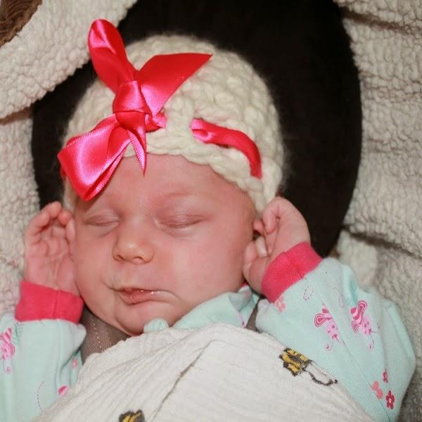 Photo bébé fille nouveau née