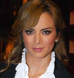 Silvia Navarro con bellos ojos claros