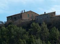 El conjunt de la masia de Puigdorca vist des del cantó del Castell de Balsareny