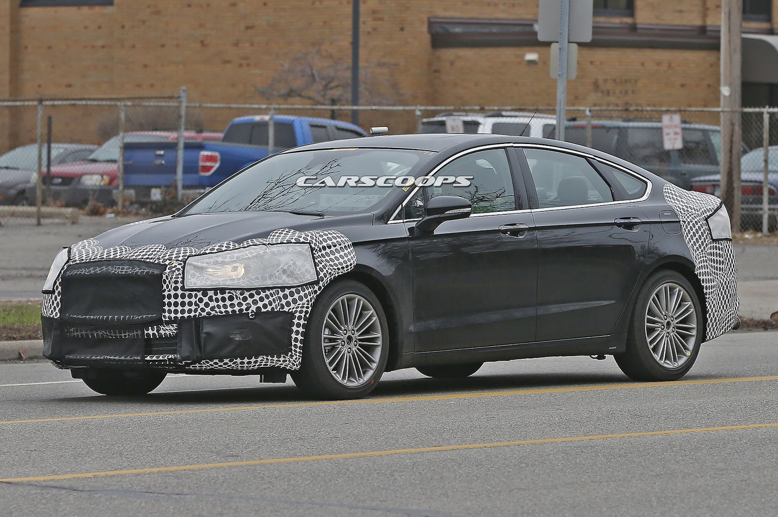 spied ford freshens up 2017 fusion mondeo facelift could. Black Bedroom Furniture Sets. Home Design Ideas