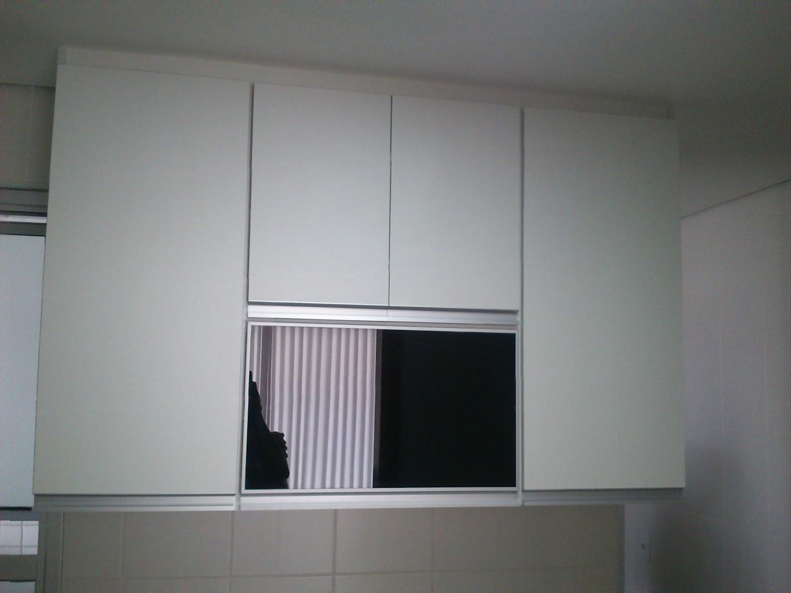 Lopes Armários Planejados Cozinha  (Padrão Branco c Portas Pretas em Vidro # Armario De Cozinha Planejado Porta De Vidro