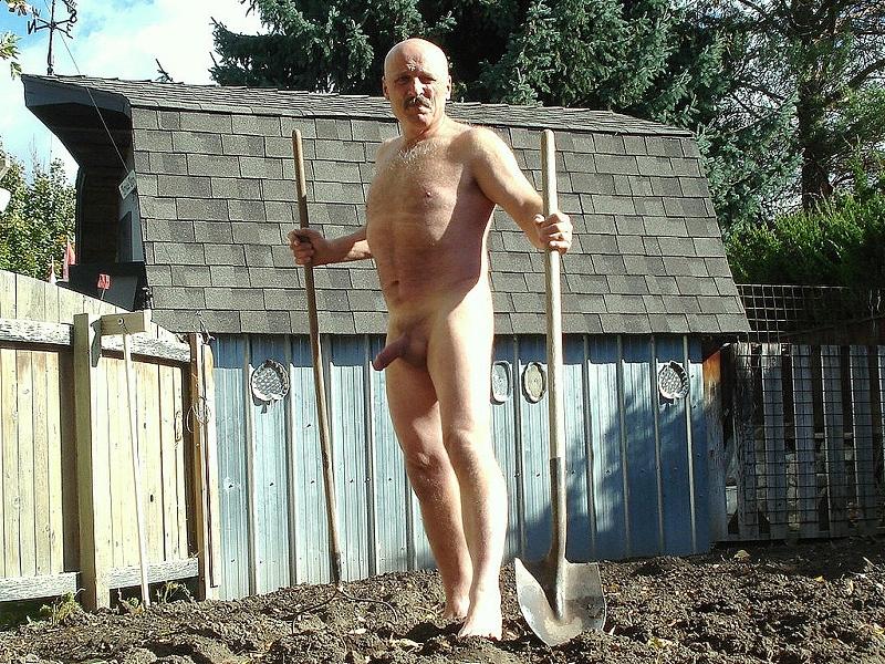 mature gay pics - mature gay blog - farm gay daddy