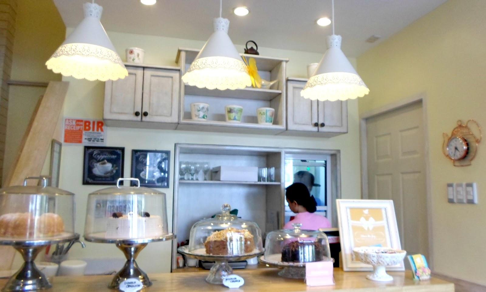 10 Dove Street Cafe/Dessert Restaurant Review | Poetic Isolation