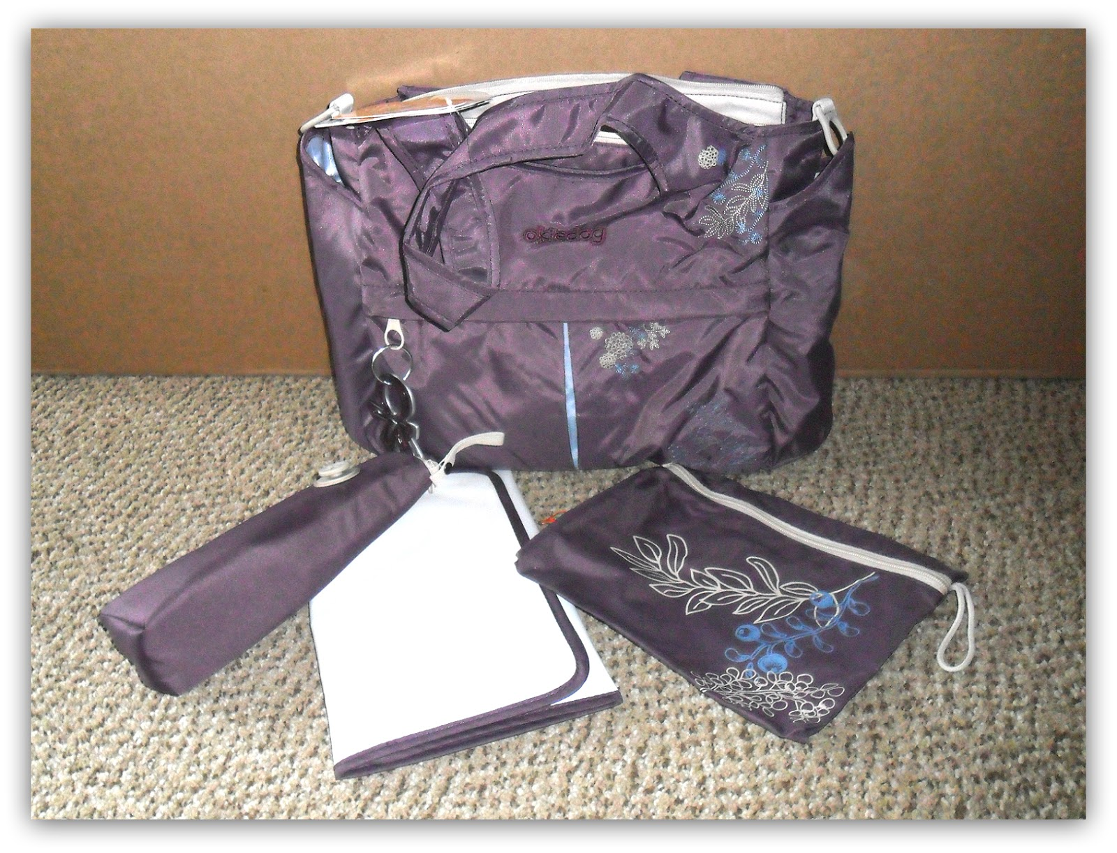 Okiedog and diaperbag diaries. Review