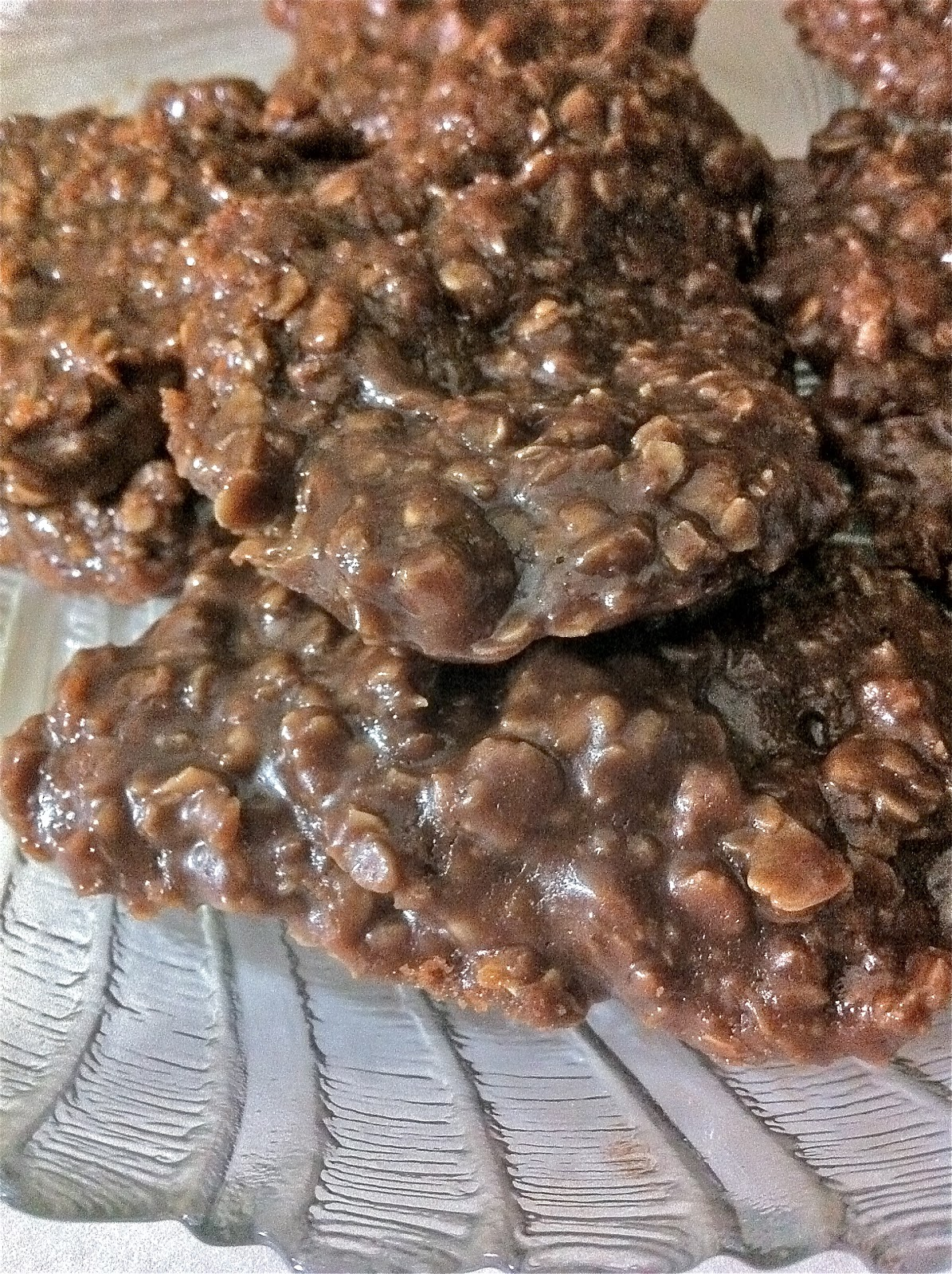 Chocolate Oatmeal Peanut Butter Cookies (No Bake) | Divas ...