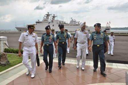Panglima Armada AL India kunjungi Komando Armada Timur TNI AL