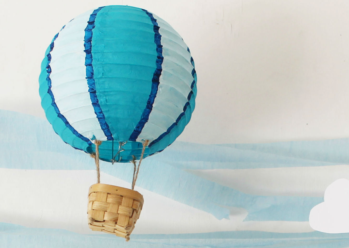 Now that s pretty diy hot air balloon lanterns