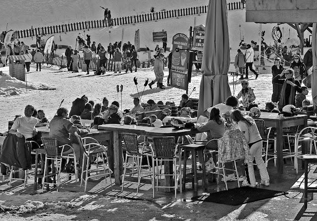 Авориаз фестиваль курорт горные лыжи горы солнце снег ресторан обед