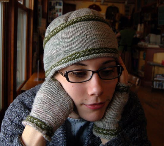 knitting pattern for hat and mitts