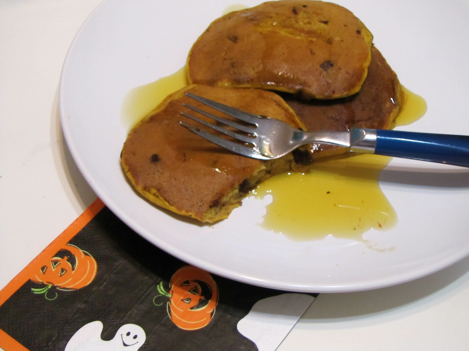 In Between Classes: Chocolate Chunk Pumpkin Spice Pancakes