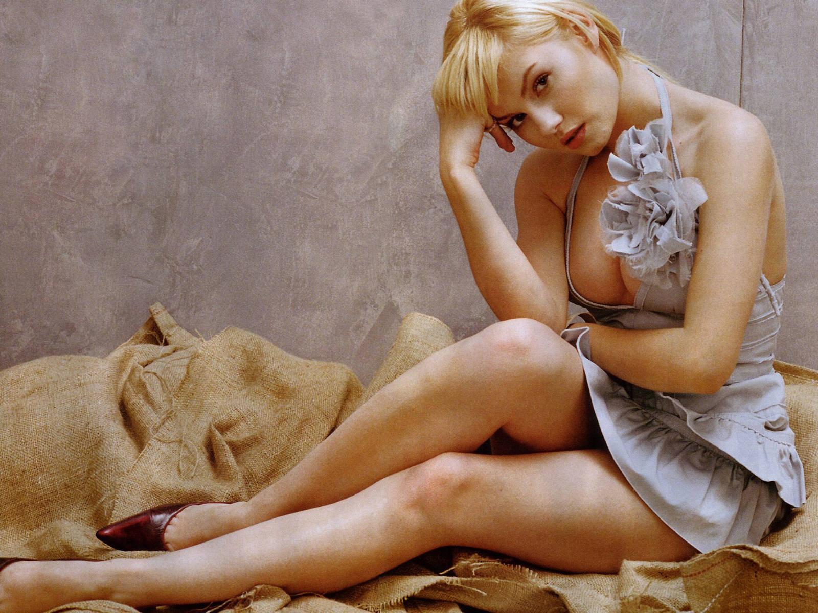 http://1.bp.blogspot.com/-Gtqe0cZvpTs/TeydApzspeI/AAAAAAAABJc/6D4-ypEJaOA/s1600/Elisha-Cuthbert.jpg
