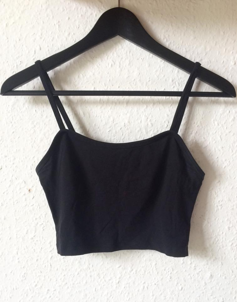 H&M black strappy crop top