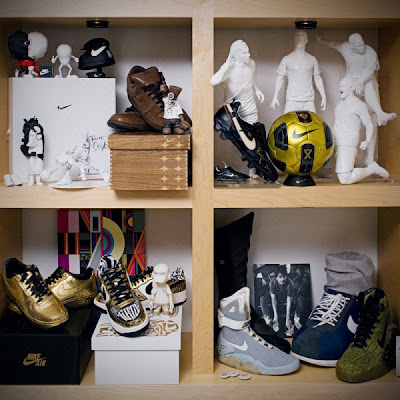 Inside Nike CEO Mark Parker's Office Seen On www.coolpicturegallery.us