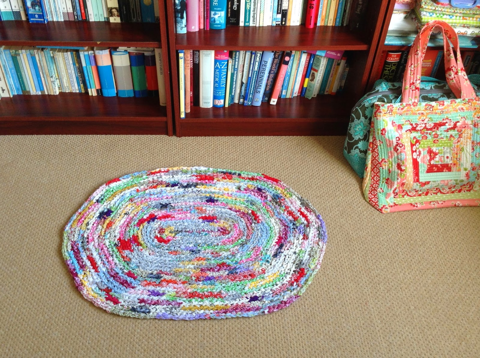 Sew Me: Oval Crocheted Rag Rug - finish and a pattern
