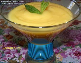 Lemon curd o crema de limón.