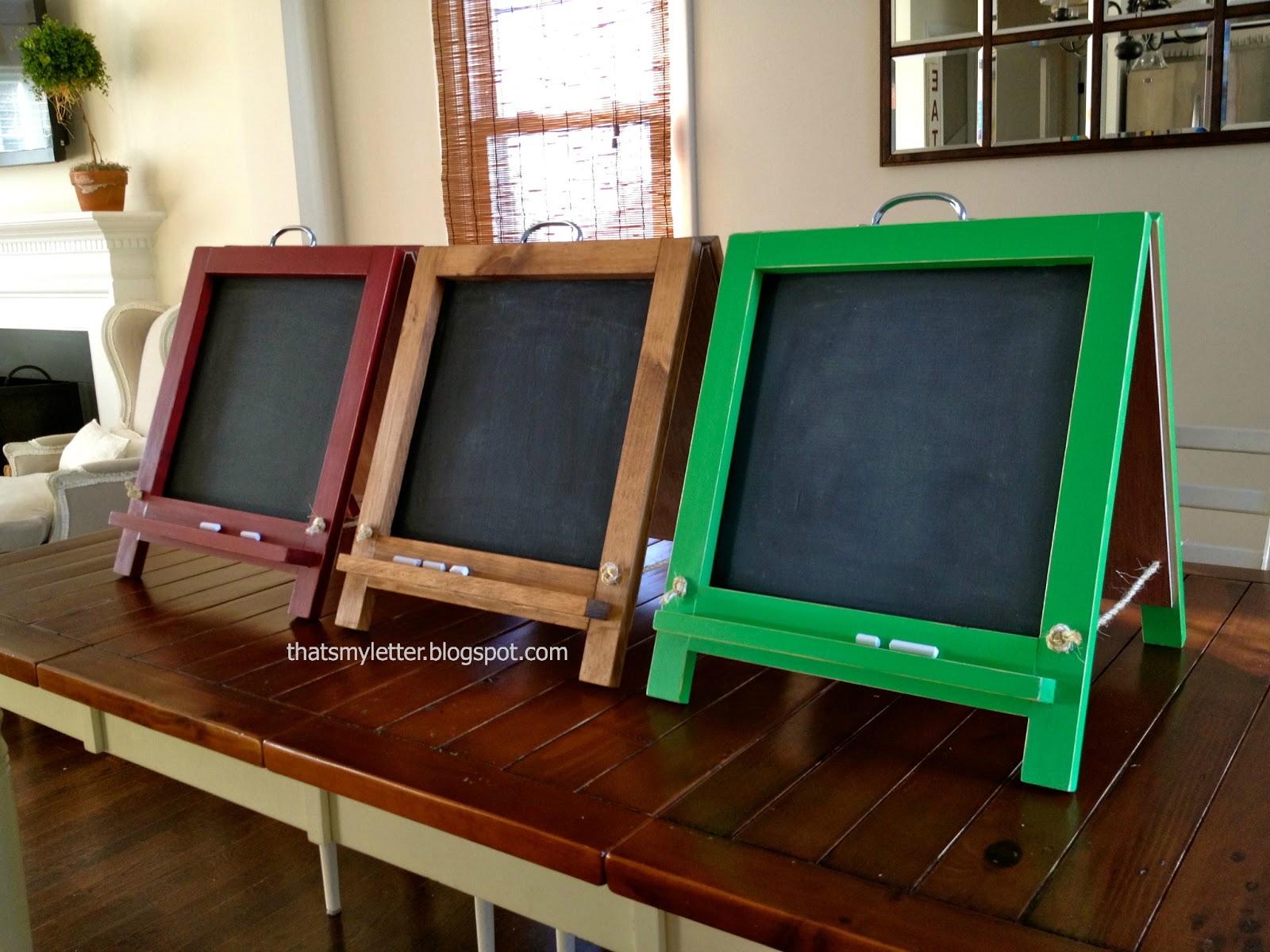 Hereu0027s How To Build The Tabletop Chalkboard Easel: