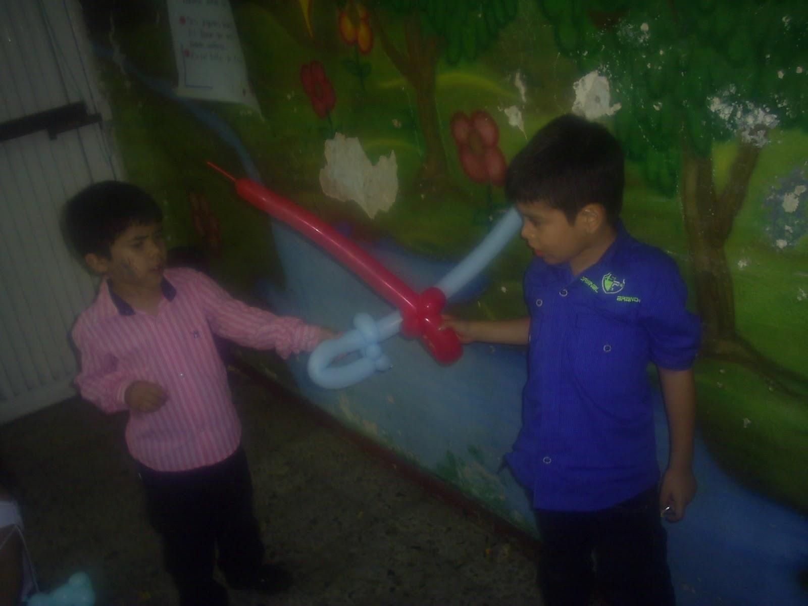 Globoflexia fiestas infantiles medellin revoltosos for Cascanueces jardin infantil medellin