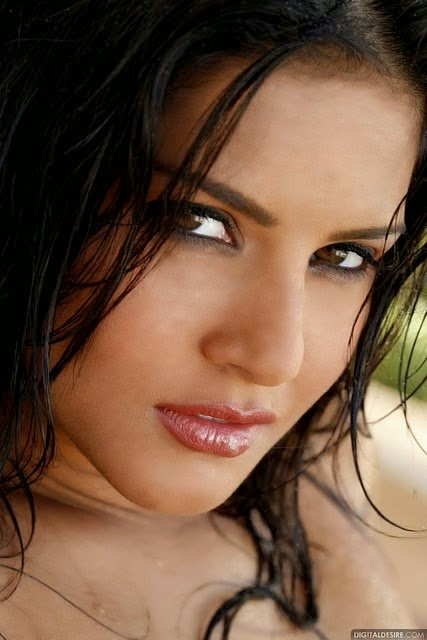 Baby doll Sunny Leone Hot erotic Wallpaper in HD Free Download