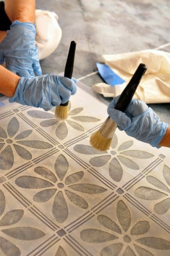 pintando stencil chalk paint