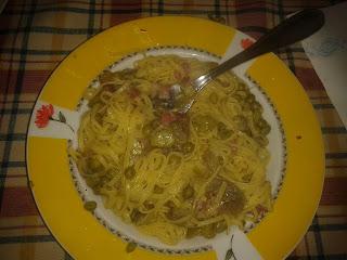 tagliolini ai piselli, fave, carciofi e pancetta