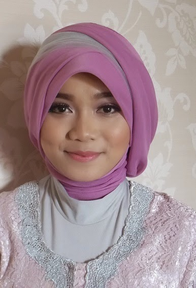 make up hijab wisuda
