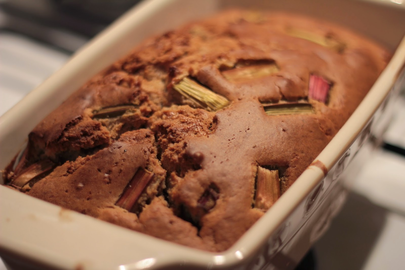 Ciasto cynamonowe z rabarbarem